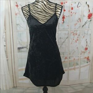 🆕 VIBE Black Velvet Minidress/Tunic Small
